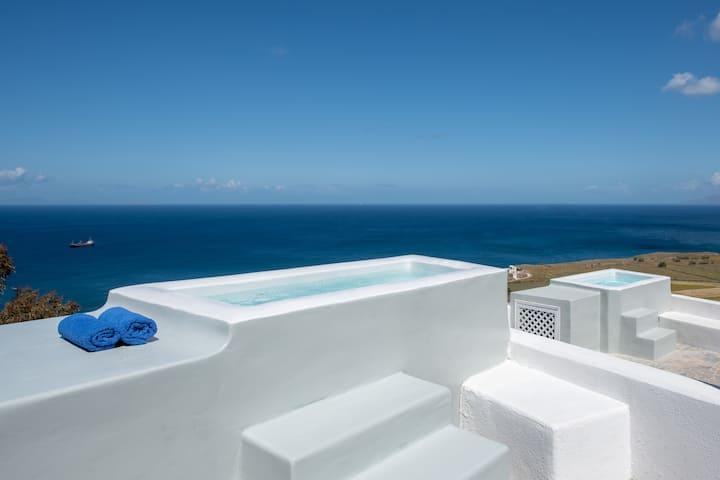Sunrise 2 bedroom villa with Jacuzzi By JV