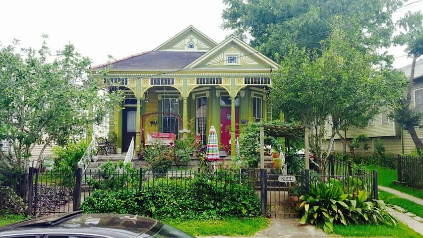 Beautiful Historic Mid City Home
