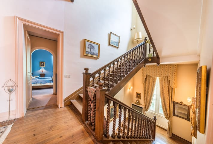 Luxury Studio suite in the castle with 2 beds