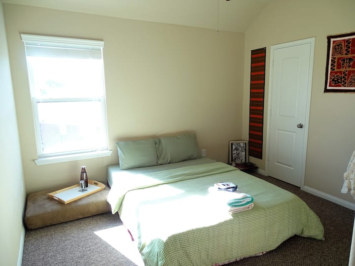 Quiet Rm - close to I-10 & Grand parkway