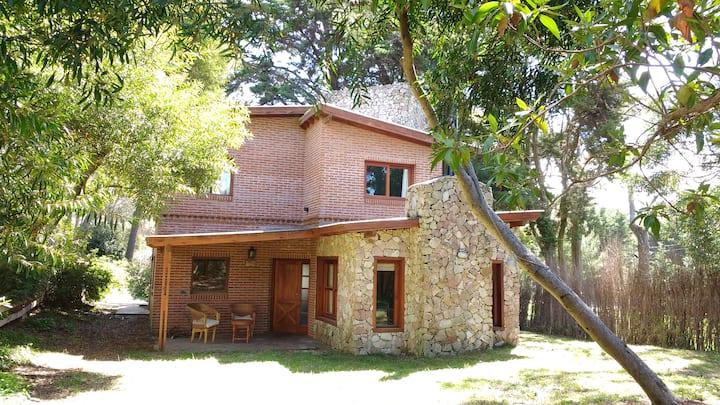 Hermosa casa a 50 metros del mar EN PESOS ARG