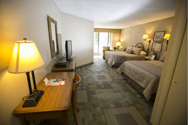 Iron Blosam Lodge, Snowbird, Bedroom B, Unit 424