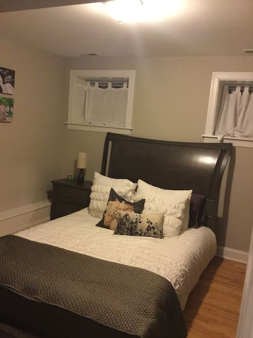 Charming lakeview condo apartments for rent in chicago 4 bedroom apartments lakeview chicago