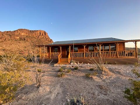 *NEW* Lodge 3 Bedrooms + 2.5 Baths in Terlingua