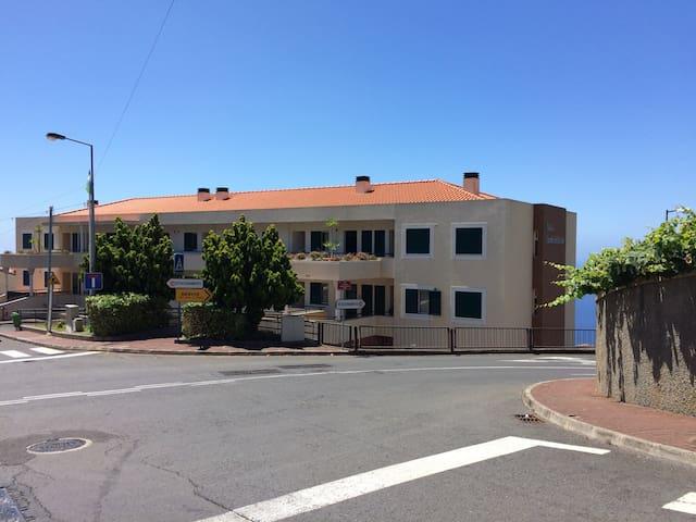 edificio caminho de sao joao - Estreito camara de Lobos  - Apartment