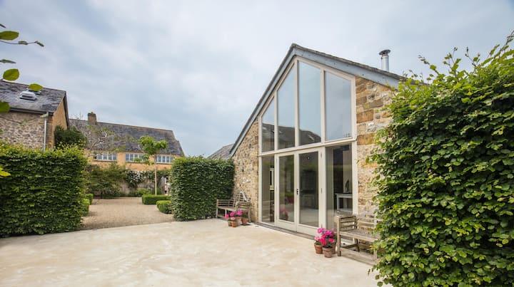 Spacious bungalow in rural Dorset