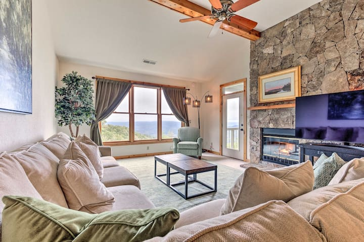 Burnsville Condo w/Balcony + Smoky Mtn. Views