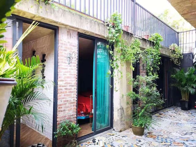 阳江海陵岛秘密基地——下沉式西班牙花园2房