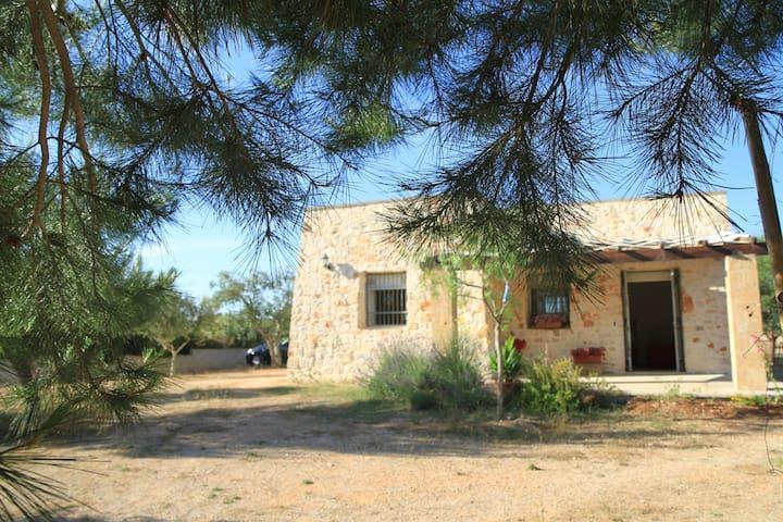 Casa immersa nella verde campagna Salentina