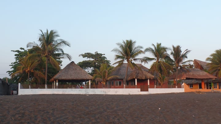 Rancho Los Tres Soles-Frente al Mar