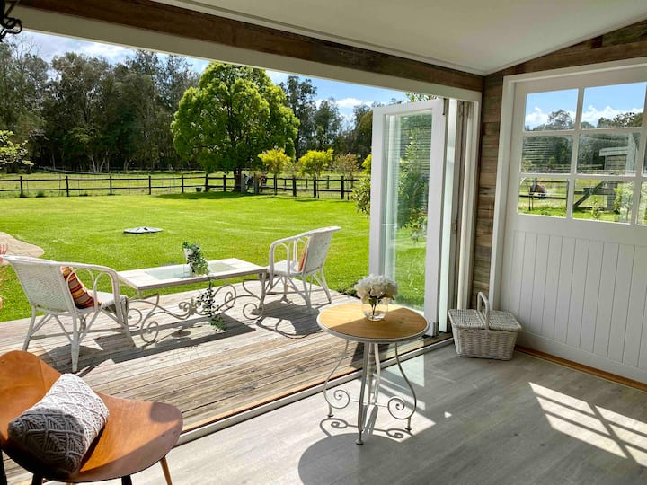 "Beautiful Rural Cottage or ""Bowral by the Sea"""