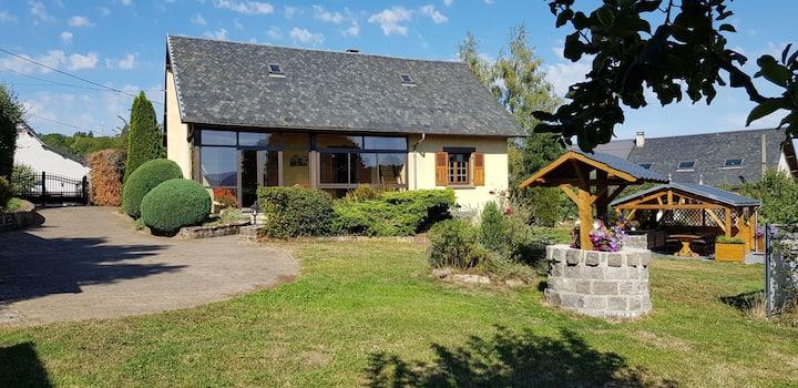 Maison avec Jardin et vue sur la chaîne des puys