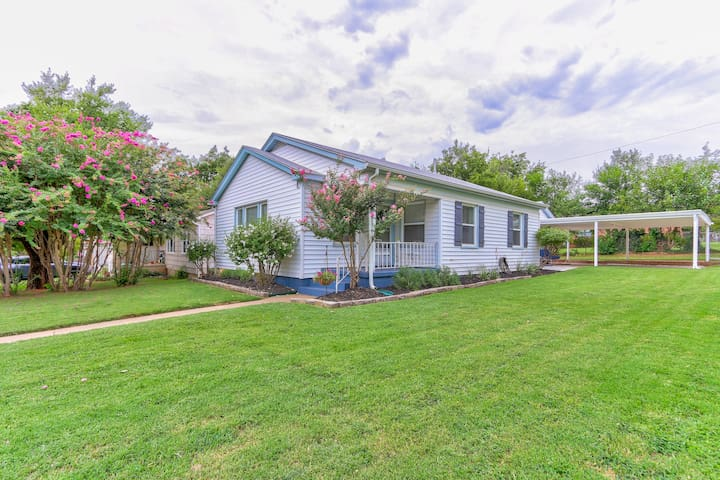 Beautiful Bungalow with newly updated exterior to match the gorgeous interior!