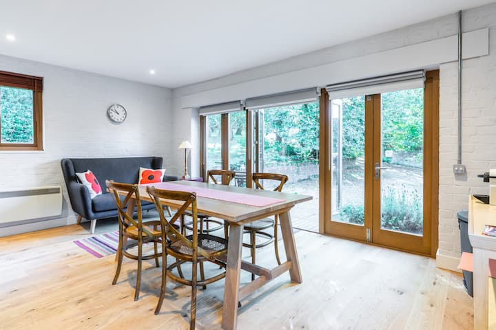 Contemporary studio in the heart of Ashdown Forest