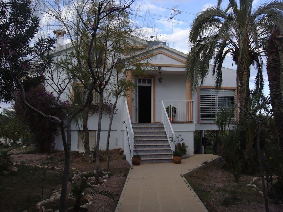 entrada principal a la casa