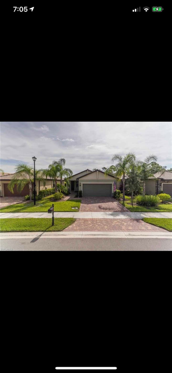 Fort Myers 3/2 Private Home Resort Style Community
