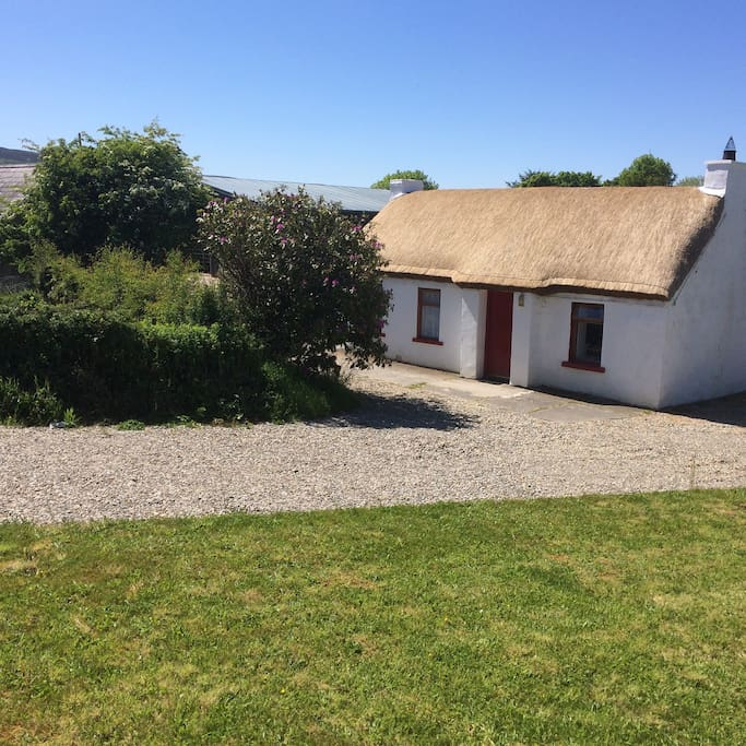 Thatched Cottage Tig 237 N Tu 237 Cabins For Rent In Carndonagh