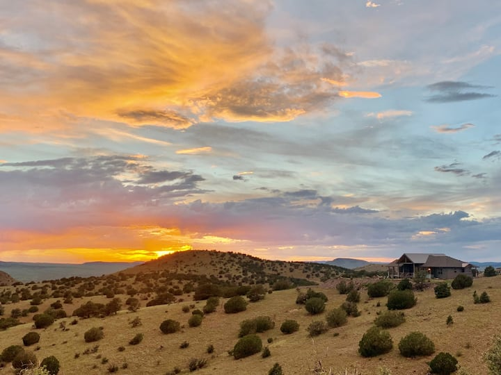 Enjoy the American Southwest nearly off the grid!