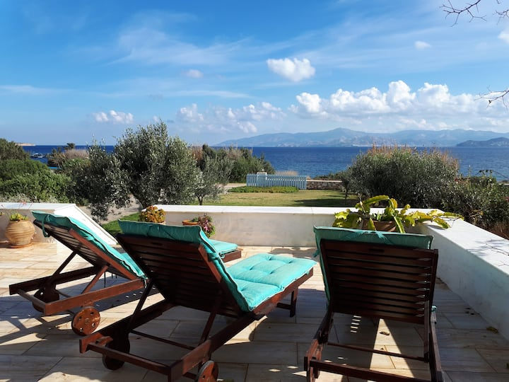 Abelas Home with a stunning view over the Aegean