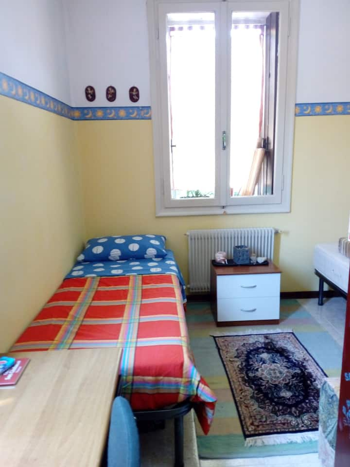 Camera doppia per soggiorni brevi  a Vicenza.