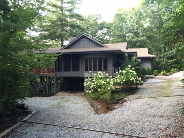 Sapphire Cashiers NC Mountain Vacation Home
