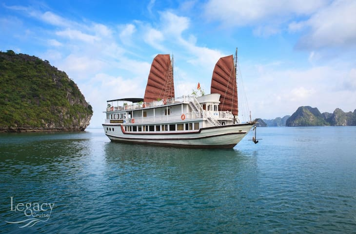 Package Hanoi Hotel 1night and Halong Legacy 2D/1N - Hanoi - Boat