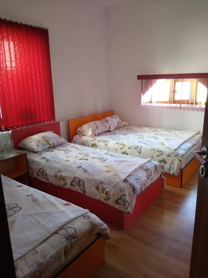 1 Large bedroom - up to 4 people Batak