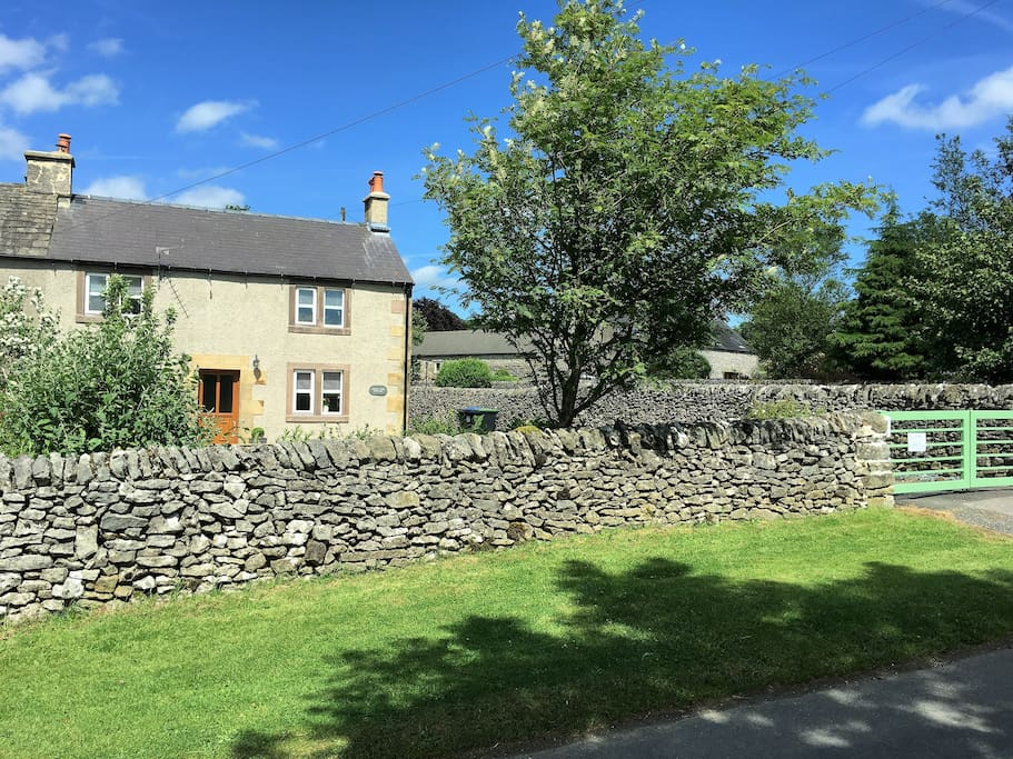 Rowan Tree Cottage Cottages For Rent In Derbyshire