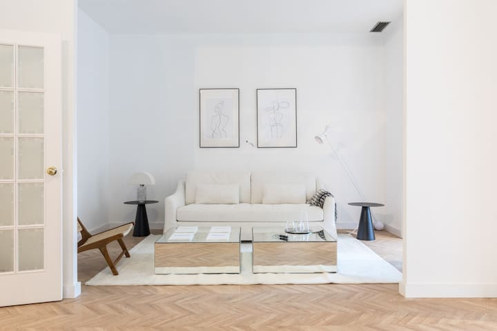 Lux Single Bedroom Central (pp-4)