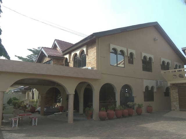 7 bedroom house for Large Groups - Accra - Casa