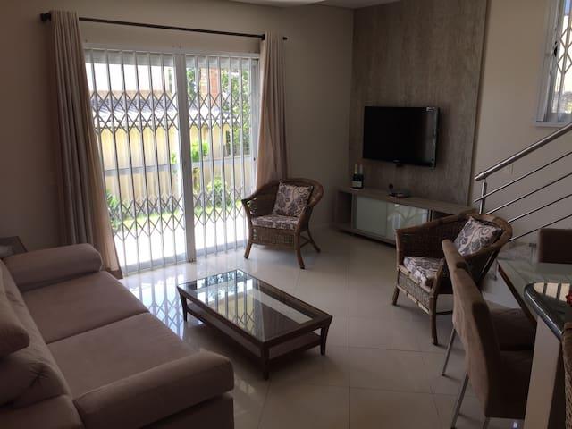 Conforto e segurança perto da praia - Florianópolis - Huis