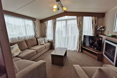 Durdle Door Holiday Park, Lovely Caravan House