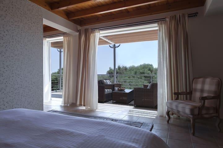 Spacious 3bd villa in Messinia with sea view. - Marathopoli - House