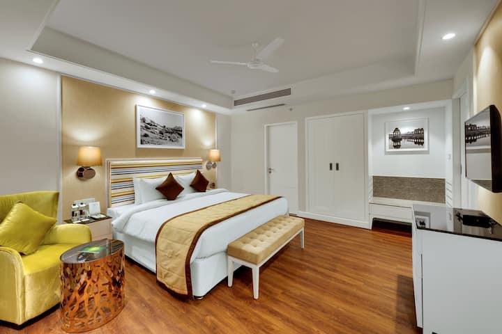 Wintergreen - Hotel in Amanora Township, Pune