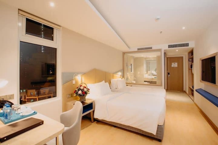 LE'S CHAM HOTEL ( DELUXE TWIN ROOM )