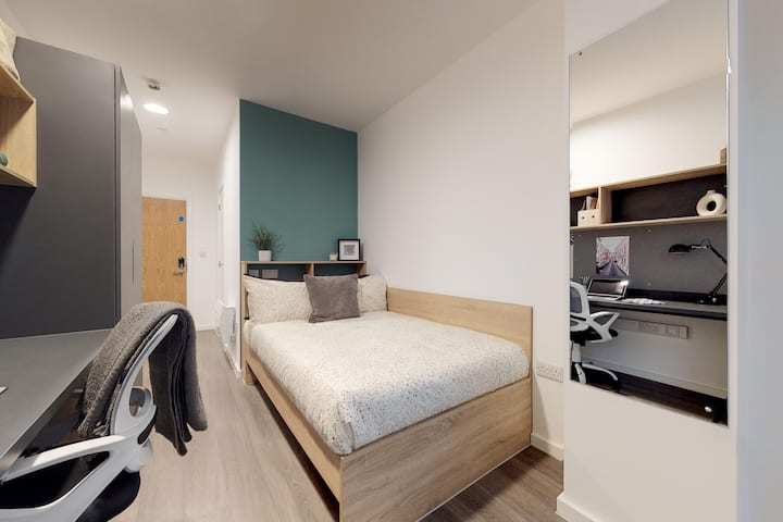 Student Only Property: Typical Classic Plus Ensuite