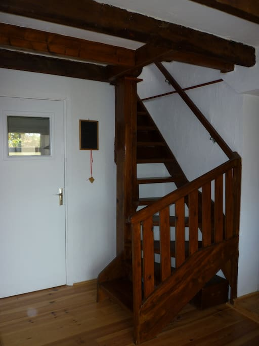 Treppe zum oberen Stockwerk