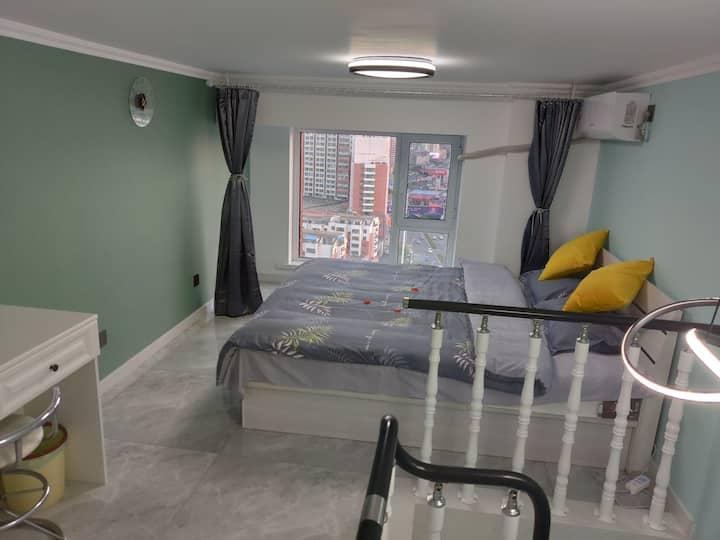 【初·见】loft电竞民宿 日租 公寓《两台电脑》