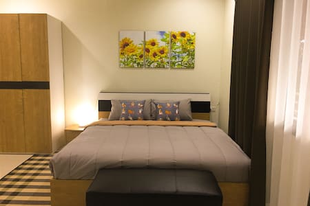 *BRAND NEW* Cozy place 15 mins to historical park