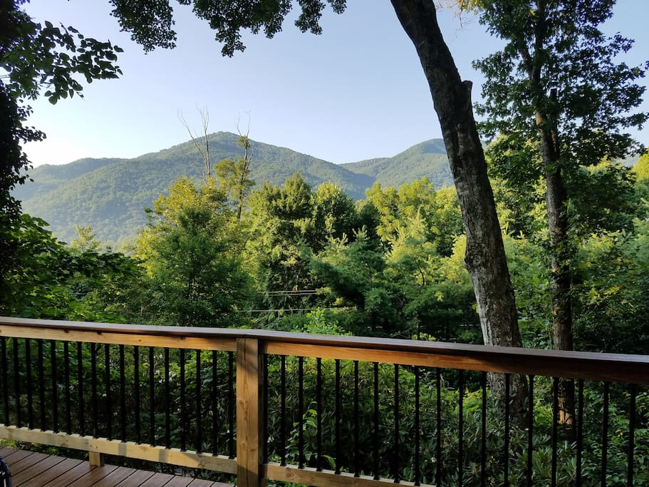 Gorgeous Mountain View from front deck