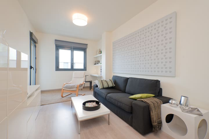 Apart 1 dormitorio con parking - Granada - Apartament