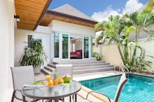 Thai-Balinese villa built around the pool