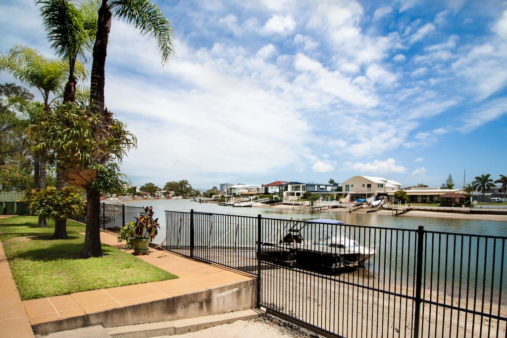 Waterfront bliss on Biggera Creek