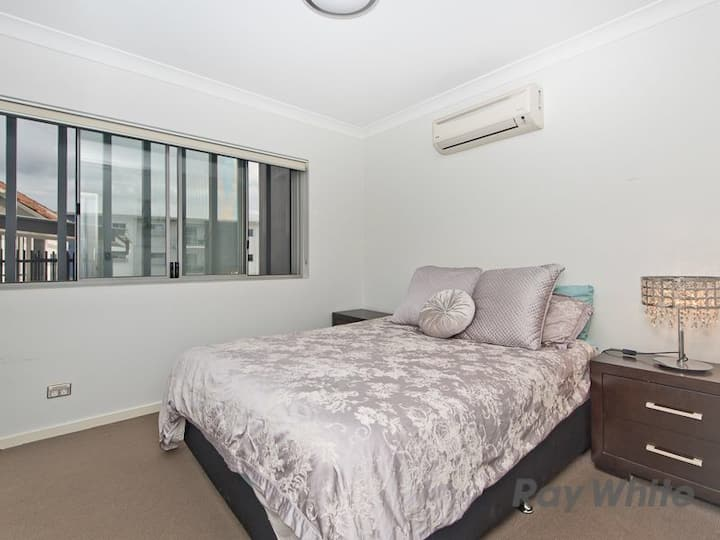 🌟Brilliantly located apartment to Shop's& Airport🌟