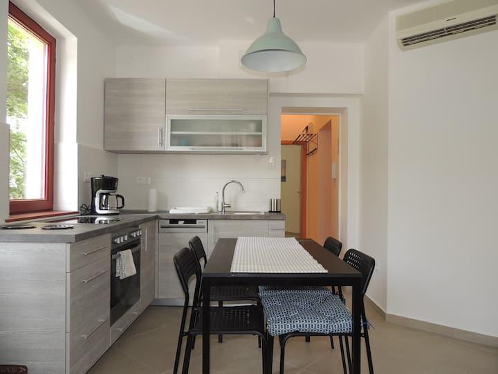 Ramp- Art 2 Apartment