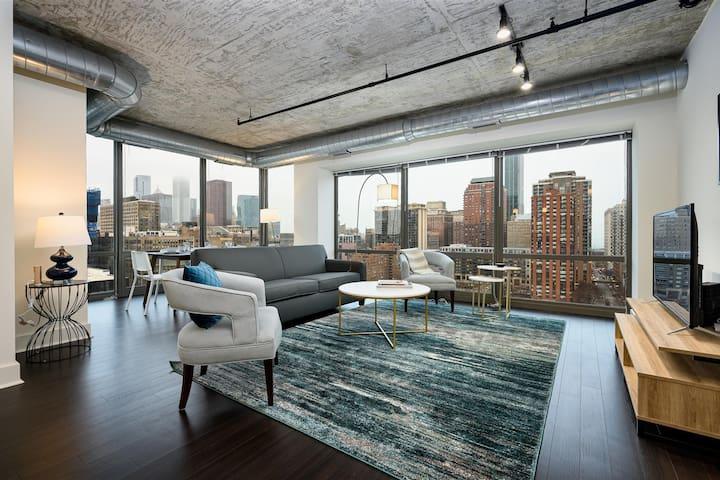 Kasa | Chicago | Classy 2BD/2BA South Loop Apartment