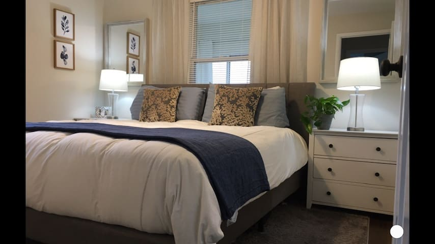 Month to Month Stunning Rental $1599 2 bed/1 bath