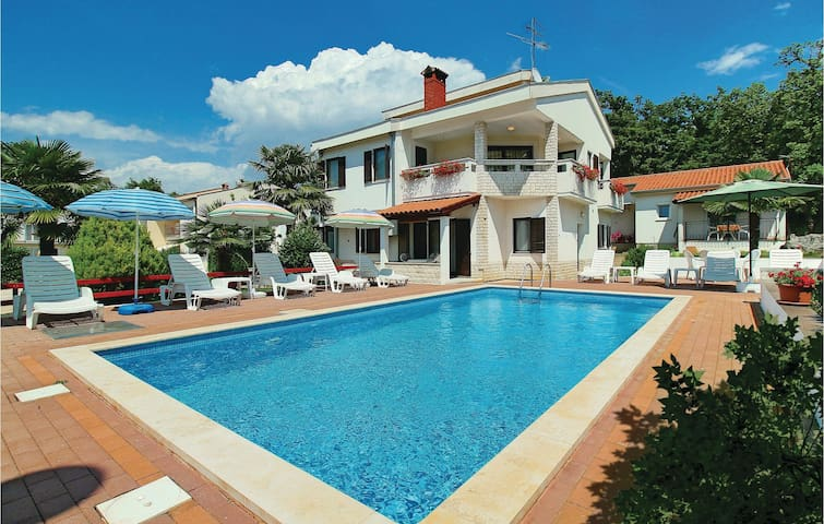 Holiday apartment with 1 bedroom on 30m² in Porec