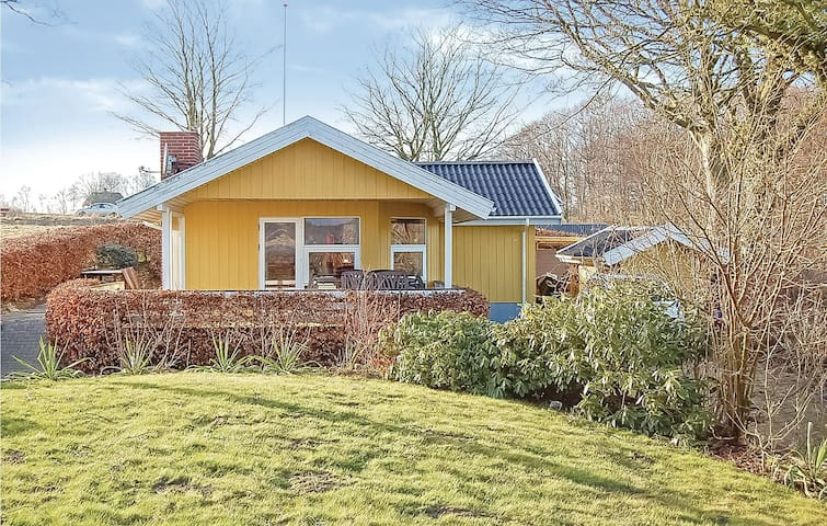 Holiday cottage with 3 bedrooms on 62m² in Fredericia