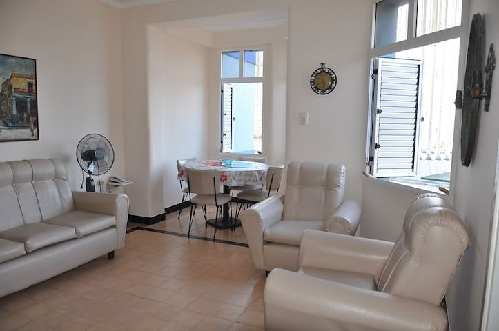 Seafront apartment in Vedado, Havana. - La Habana - Appartamento